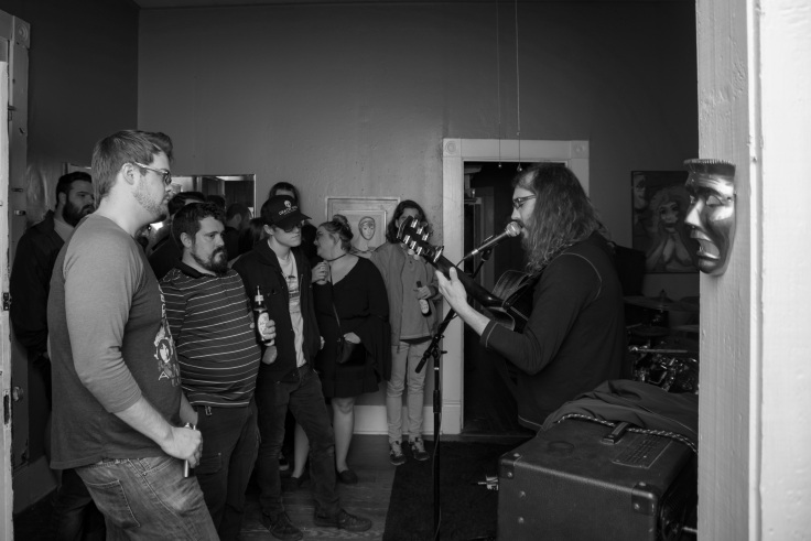 4-20_house_show12_gray